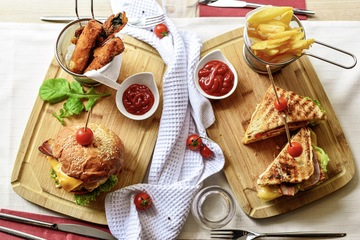 burgers and sandwich fries culto